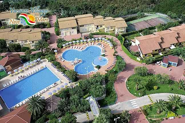 Vista aerea delle piscine.