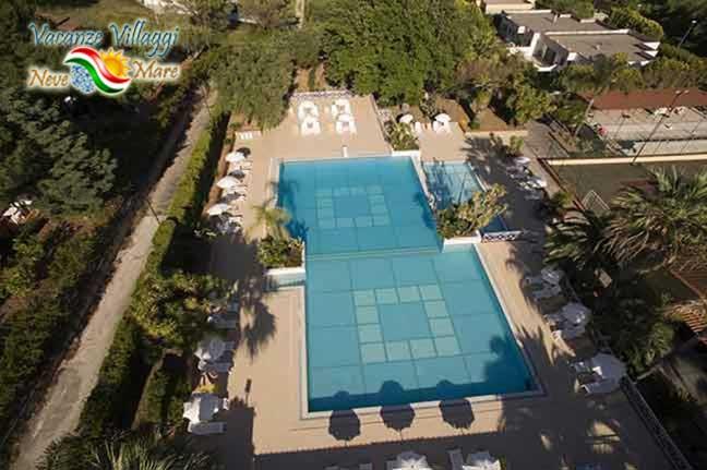 La piscina vista dall