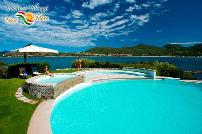 La piscina dell Hotel Palumbalza