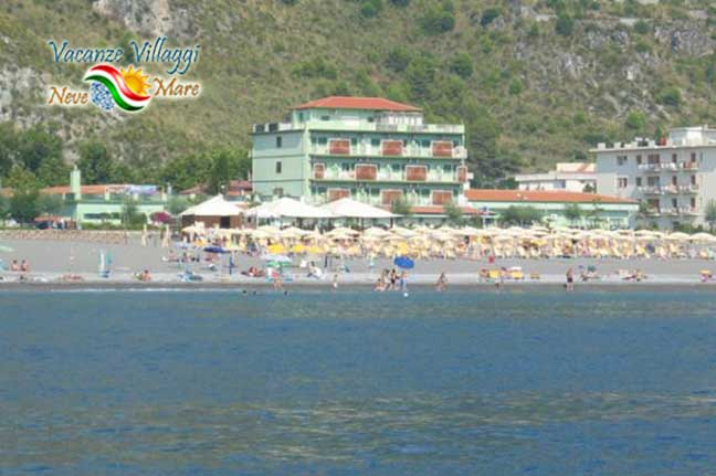 Hotel Germania direttamente sulla spiaggia di Praia a Mare.