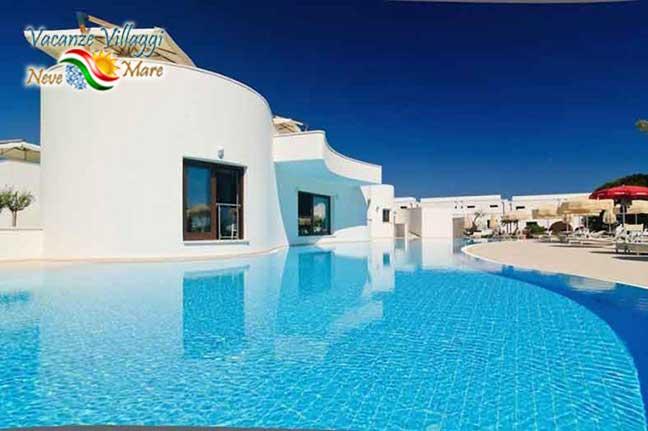 Una delle piscine dell hotel