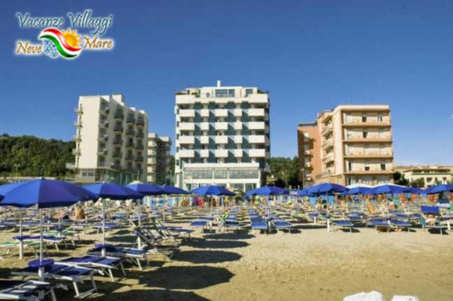 La spiaggia dell hotel